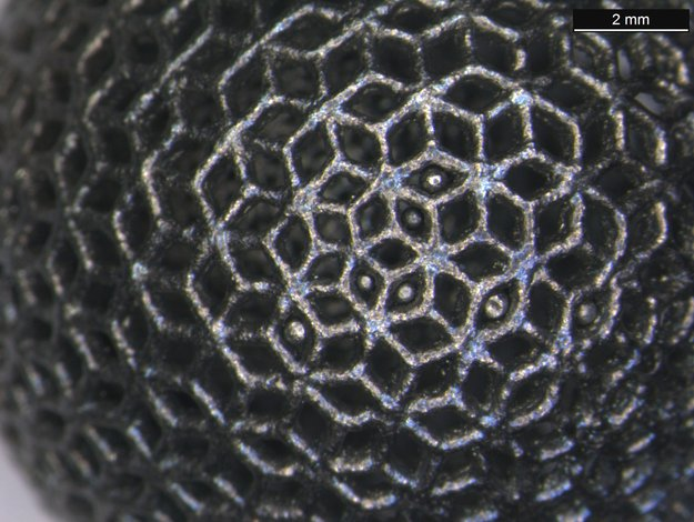 Close-up_of_3D-printed_titanium_lattice_ball_node_full_image
